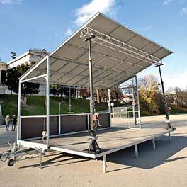 Trailerbühne, mobile Bühne.