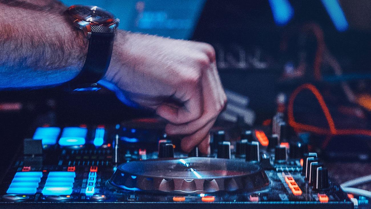 DJ an der Arbeit.