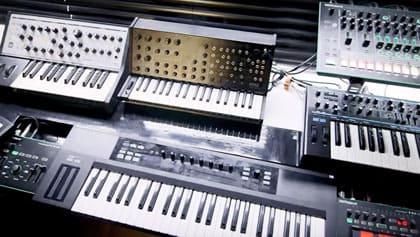 Keyboards im Tonstudio.